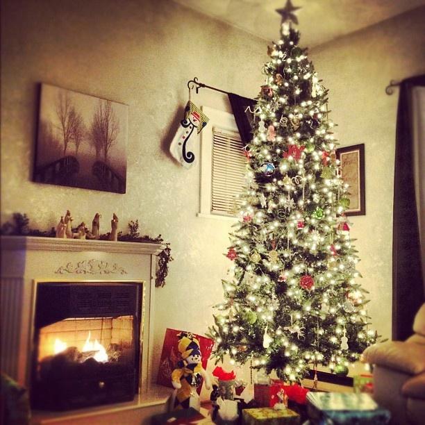 My mantel last year :o): Mantels, Christmas, Years, Rooms