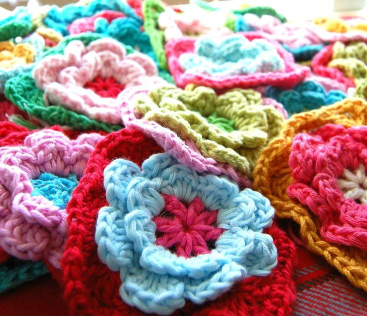Crochet Afghan Squares | ... your copy of How To Crochet: 14 Flower Crochet Granny Squares today