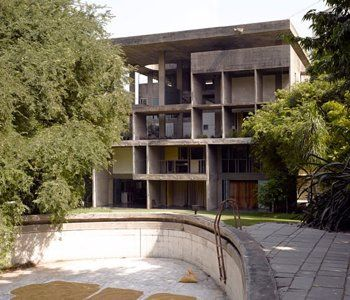The Shodan House, Ahmedabad, India, Le Corbusier, Shodan house-entrance. Stock Photo 1801-36965 : Superstock