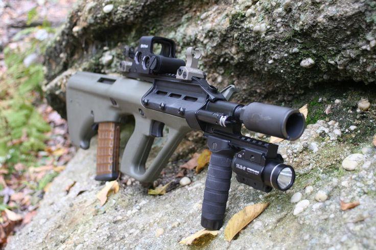 Steyr aug a3 with holographic sight   Arm Óglaigh na ...