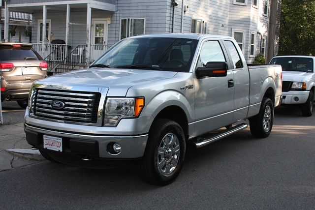 M s de 25 ideas incre bles sobre camionetas viejas solo en for Camiones ford interior