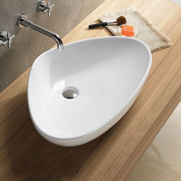Grande Vasque triangulaire 67x42x15 cm Young à poser sur un plan ou un meuble. Vasque au design sobre et épuré sans trop plein ni plage de robinetterie.