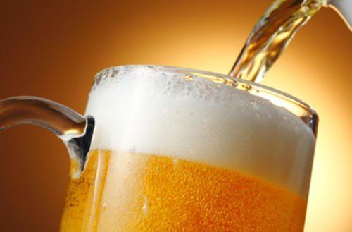 ¿La cerveza puede engordarme? ¿Cuál es la cantidad más adecuada que puedo consumir? ¿Qué es mejor, la cerveza o el vino?¡Te lo explicamos!