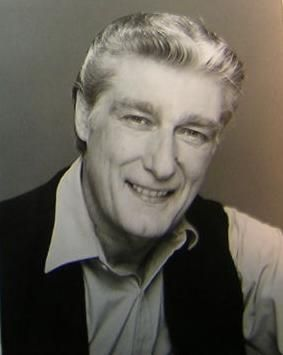 "Richard Mulligan (1932 - 2000) Starred in the TV series ""Soap"" and ""Empty Nest"""