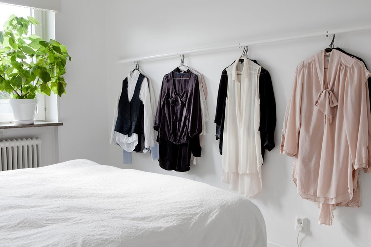 Nice idea........maybe I'll stop having clothing thrown around my bedroom!!
