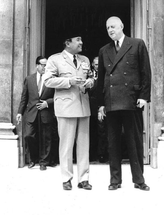 Sukarno & Charles de Gaulle