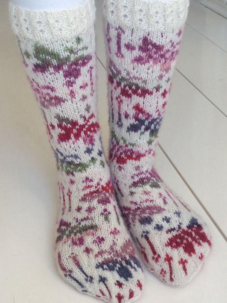 Marsa's Butterfly Socks (model: Ravelry, Aud Bergo)