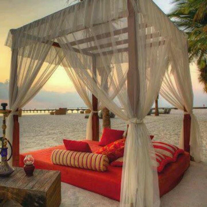 bed beach 2