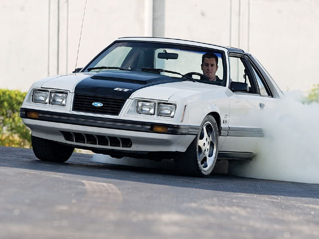 1983 Ford Mustang Gt Burnout 2