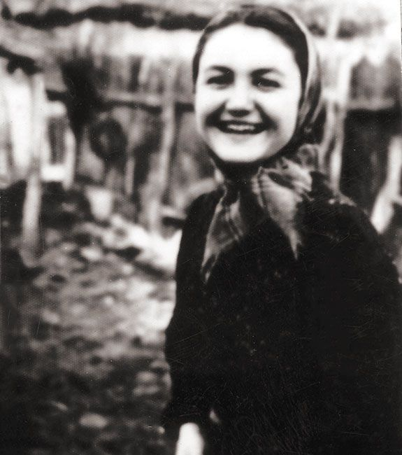 Elisabeta Strul, Romania - The young Romanian worker who sheltered her Jewish neighbors during the Iasi pogrom. #WomensDay #wmnhist