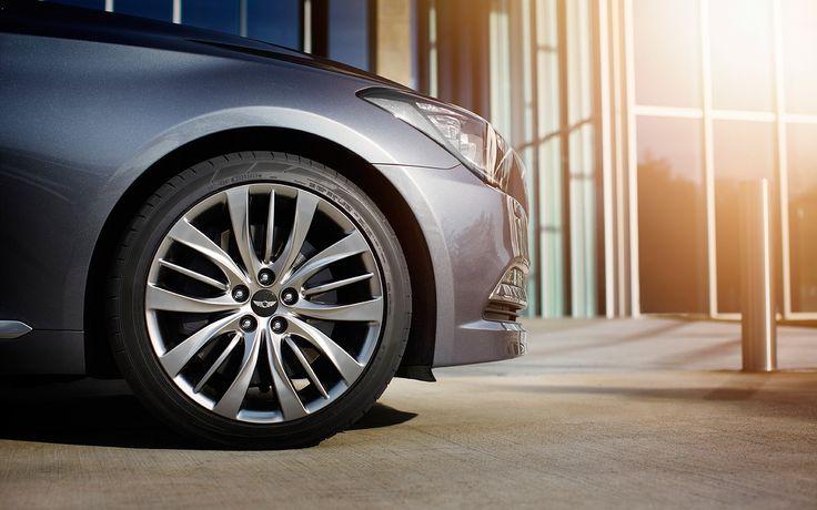 Nowy Hyundai Genesis został wyposażony w pionierskie rozwiązania technologiczne oraz pełną gamę innowacyjnych i przydatnych funkcji, które dbają o Twój komfort podczas podróży.