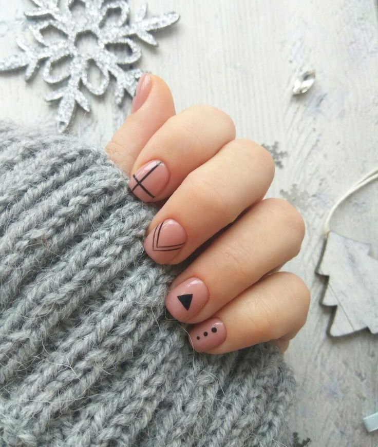 Маникюр на коротких ногтях. Дизайн маникюр. Маникюр геометрия
