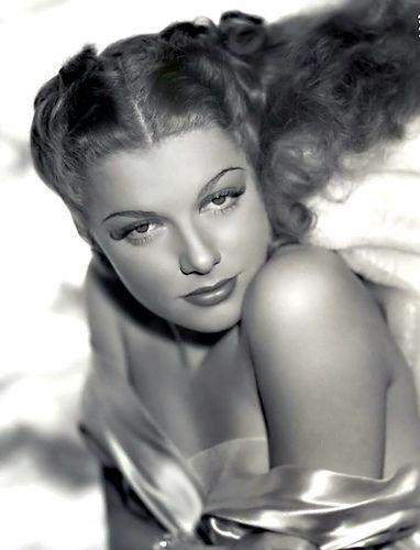 ANN SHERIDAN (Denton, 21 febbraio 1915 – Los Angeles, 21 gennaio 1967)