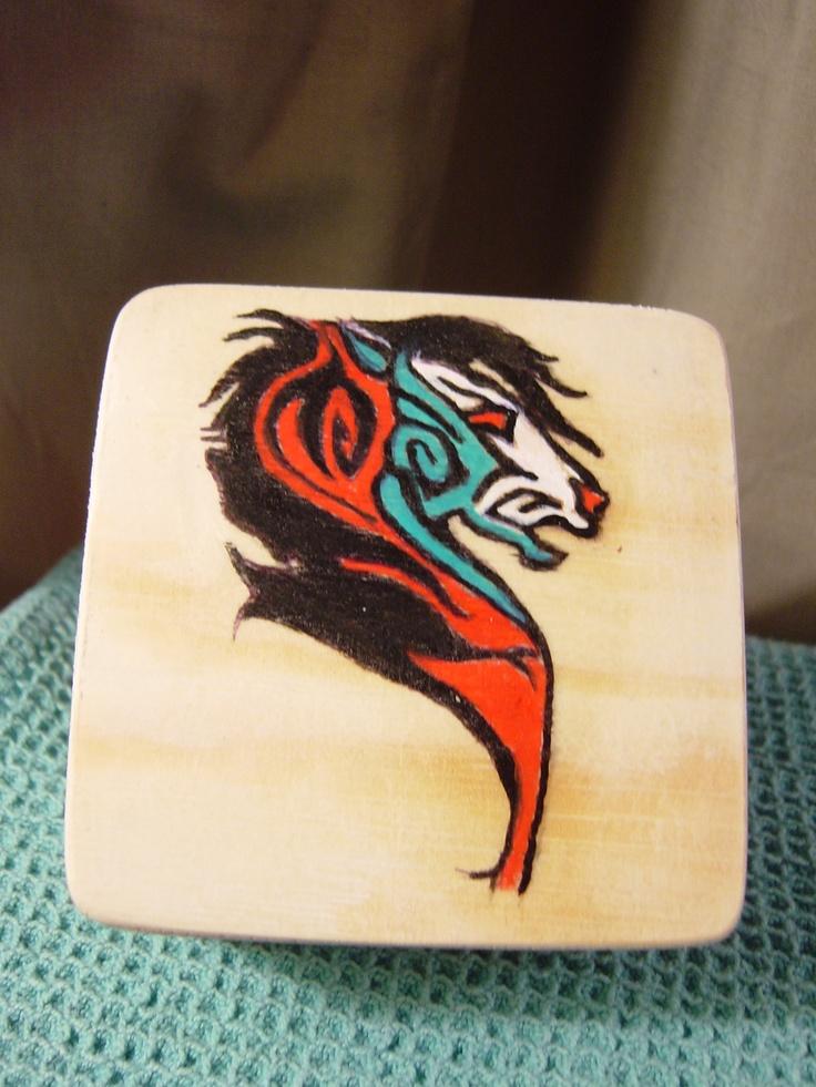 a designed horse head on a 'doodad' box 4x4 velvet interior