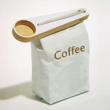 The Kapu coffee scoop is a design by Teemu Karhunen that gives a beautifully organic product with the functionality of both a coffee scoop and a bag sealer to maintain freshness of your coffee.