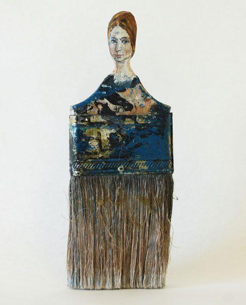 Старые инструменты живущая в Сан-Франциско художница превращает в деревянные мини-скульптуры — женские портреты. Источником вдохновения для Сзето являются портреты женщин эпохи Возрождения и другие знаковые женские образы в истории искусства.