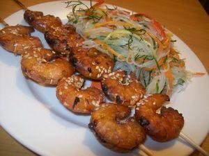 Креветки гриль в восточном стиле, а на гарнир вегетарианский вариант фунчозы