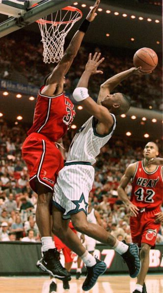 Alonzo Mourning vs. Anfernee \