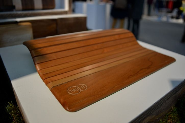 #wooden #ipad #sleeve by #two-O at the #modefabriek. Read more: http://misterdaily.nl/misterdaily-bekijkt-de-houten-collectie-van-two-o/