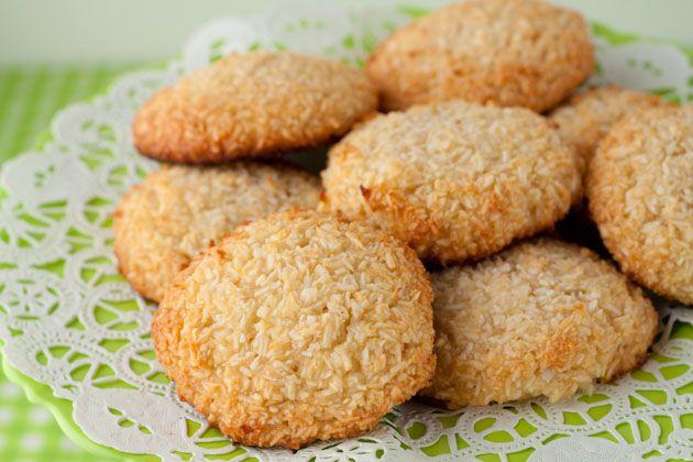5 Ingredient Chewy Vanilla Coconut Cookies (1)