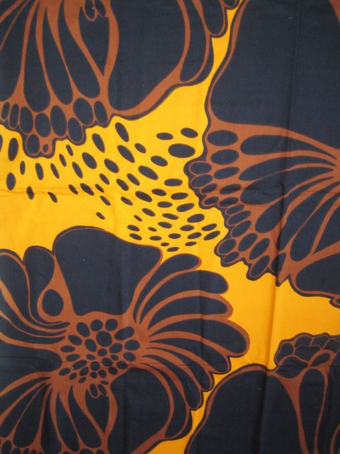 Valmu 1970s fabric designed by Marjatta Metsovaara for Tampella, Finland