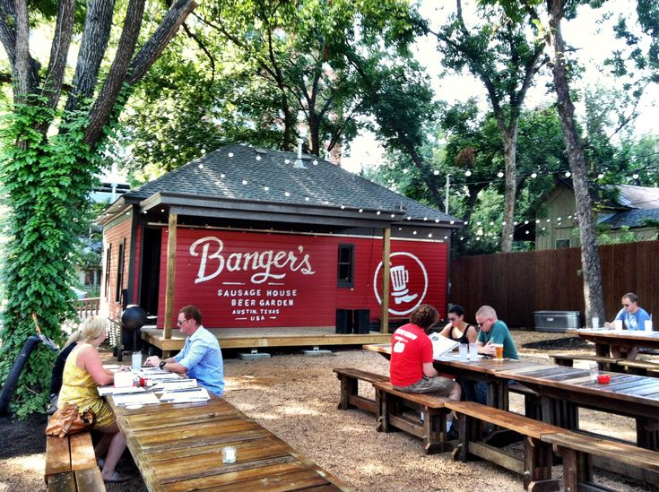 bangers-sausage-house-beer-garden.jpg 2,592×1,936 pixels