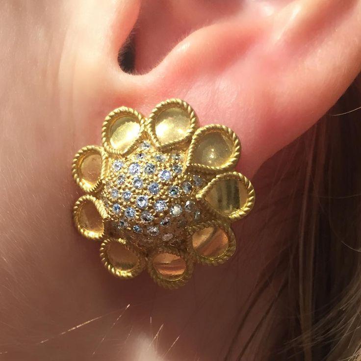 @reinsteinross #lovenewyork #handmade #lovegold #jewelry4life