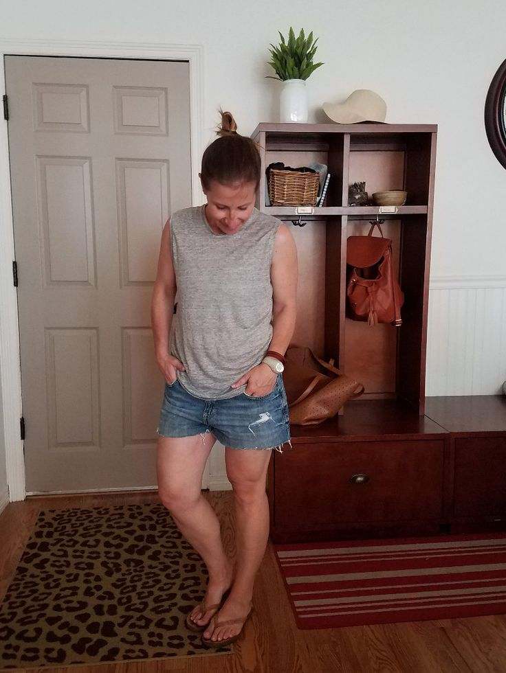 Summer Style Challenge 30x30: Outfits #3: grey tank+denim shorts+camel flip flops - Style This Life. Summer Capsule Wardrobe 2017