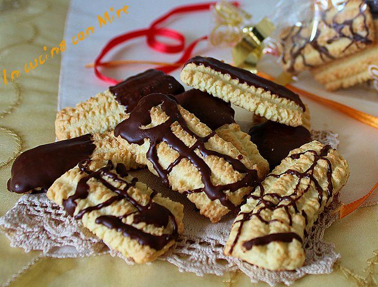 I biscotti Alsaziani accompagnati da un tè pomeridiano o quando si ha voglia di qualcosa di dolce sono veramente deliziosi.