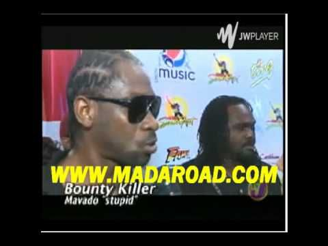 Bounty Killer Dissing Mavado At Sumfest , Calls Mavado A Dummy And Stupid [Video] - http://www.yardhype.com/bounty-killer-dissing-mavado-sumfest-calls-mavado-dummy-stupid-video/