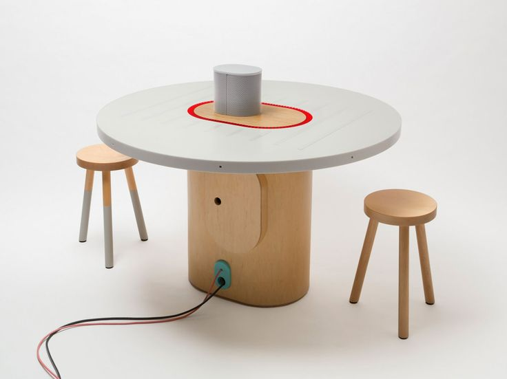 new-york-times-invents-a--smart-recording-conference-table-1