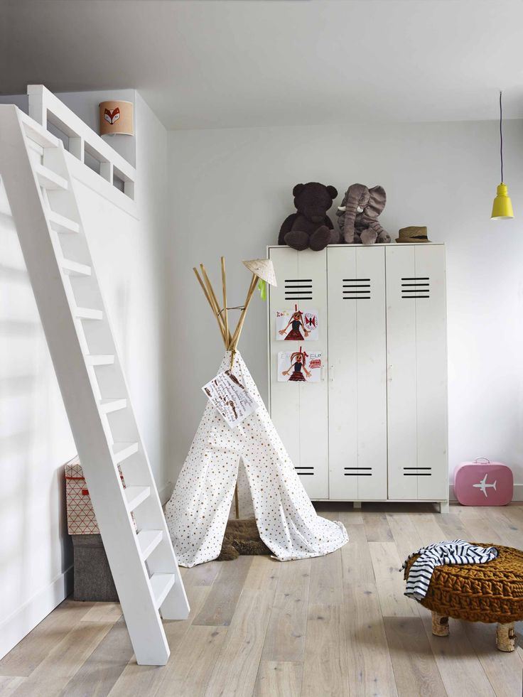 Children's room with white lockers and teepee tent   Styling @marianneluning   Photographer Hotze Eisma   vtwonen February 2015