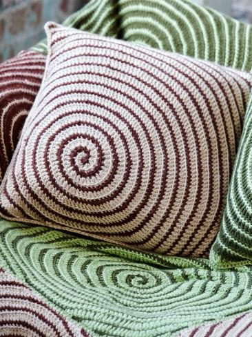 FREE PATTERN - Vortex Afghan & Pillows. Beautiful ! (Source : http://www.yarnspirations.com/pattern/crochet/vortex-afghan-pillows) #crochet #free #pattern #pillow #afghan #vortex