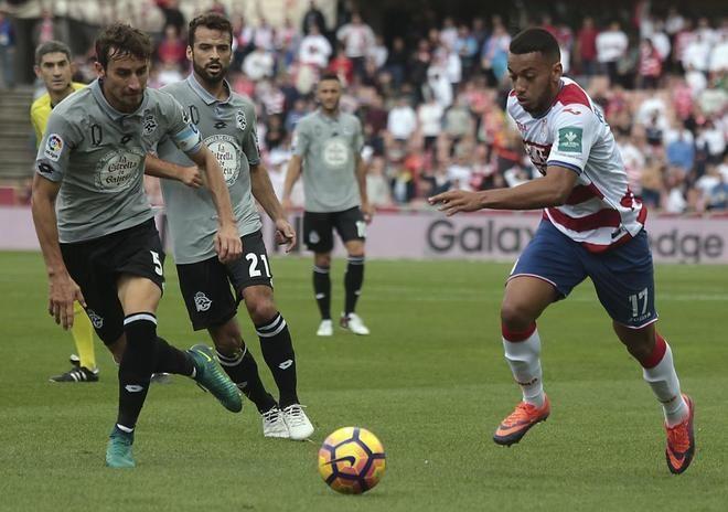 """El Deportivo estalla contra los árbitros: """"Nos toman por tontos"""". Los jugadores reclaman un gol legal de Babel anulado en Granada, que habría supuesto el 0-2. El partido acabó 1-1. @Deportivo #9ine"""