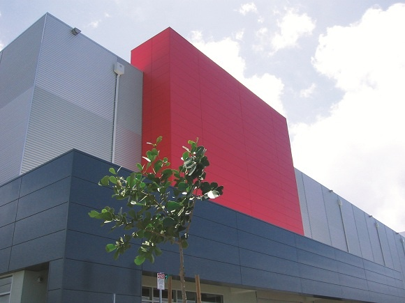 Diamond Head Self Storage Uses A Mix Of Vertical And Horizontal Kingspan  Insulated Metal Panels.