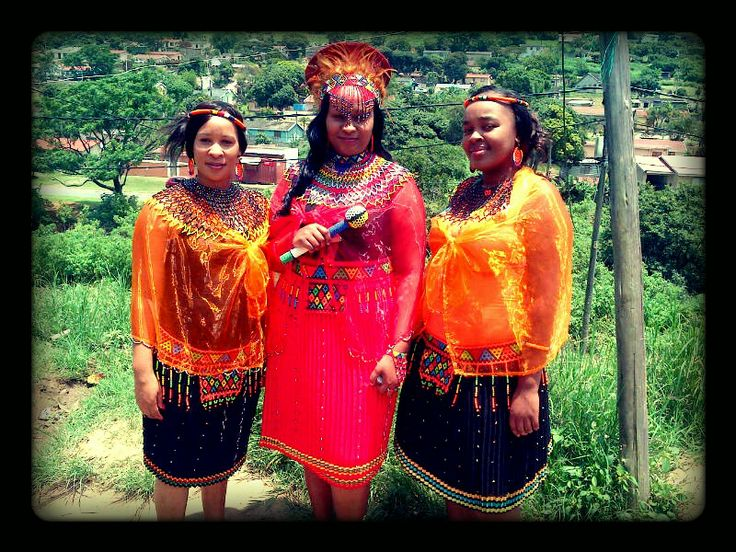 Beautiful bride and her maids for umbondo#Zandis'okuhle Traditional Hire
