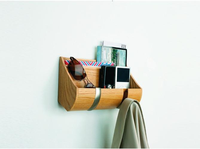 Rangement malin / Clever storage idea : http://www.maison-deco.com/petites-surfaces/rangement-gain-de-place/Petits-rangements-astucieux