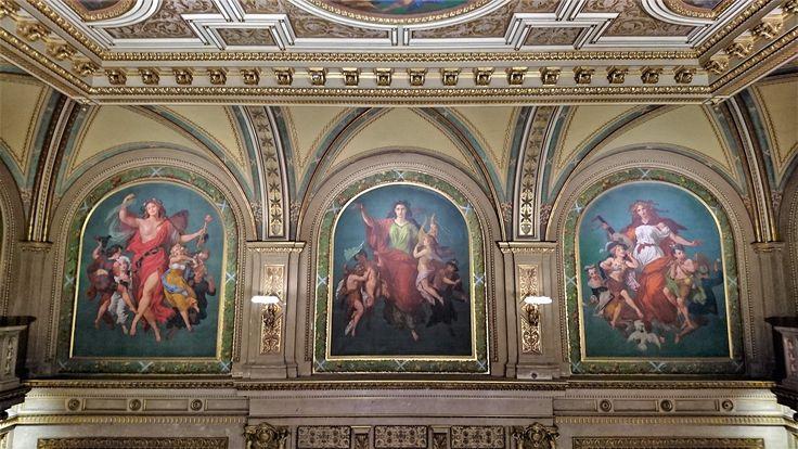 Vienna State Opera - stunning architecture