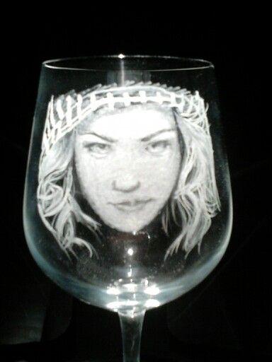 Karácsonyi boros pohár készlet egyik darabja.