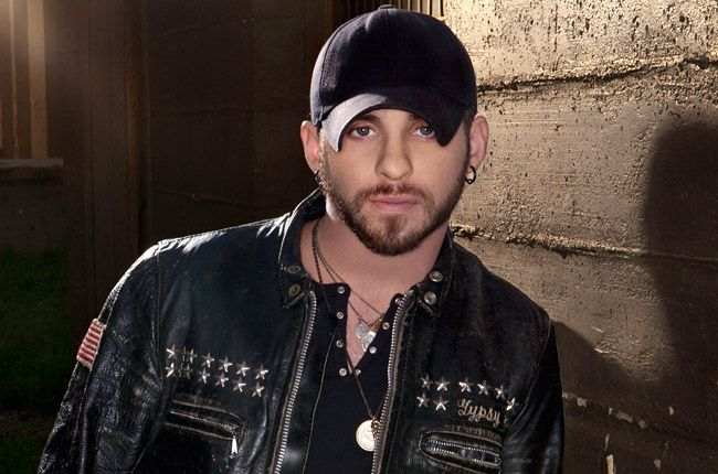images of brantley gilbert | Brantley Gilbert Hits New Country Chart Highs