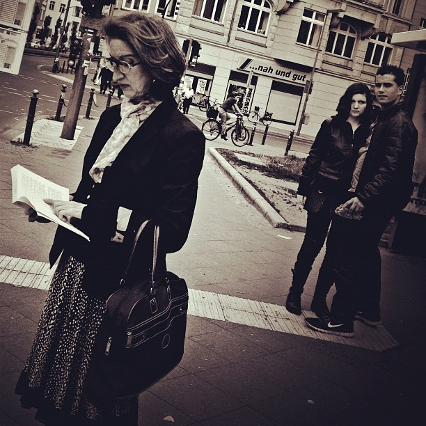 #berlin #germany #street #streetphotography #candid #blackandwhite #bw #style