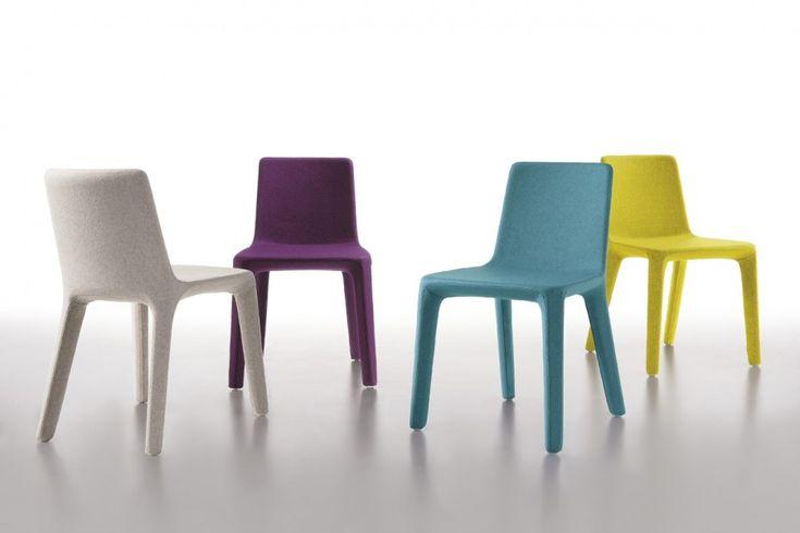 La sedia Giulitta, creata dal designer Piervittorio Prevedello, ha una  struttura semplice e lineare unita alle molteplici possibilità di scelta di finiture e colori. Anticonformista e camaleontica, capace di adattarsi a diversi tipi di ambienti, la sedia Giulietta si adatta facilmente a qualsiasi tipo di locale commerciale.