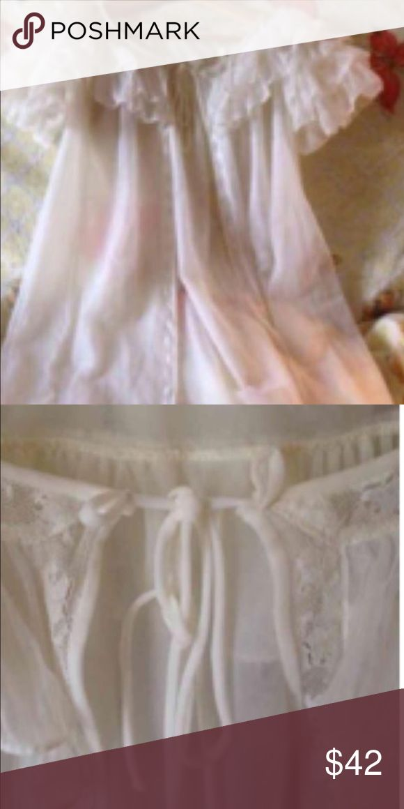 Gorgeous Designer Radcliffe Bridal Nightie Soooooo perfect for the Vintage girlie to take on her Honeymoon or perfect to have a Romantic evening on Valentines Day ❤️ gorgeous condition Radcliffe Intimates & Sleepwear Chemises & Slips