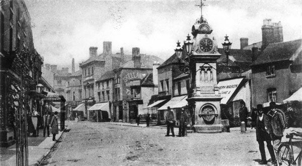 Market Place and Dr Tonks' Memorial Clock, Willenhall, c1904