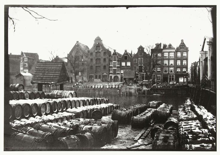 Gezicht op de Teertuinen op het Prinseneiland in Amsterdam, George Hendrik Breitner, Harm Botman, c. 1890 - c. 1910