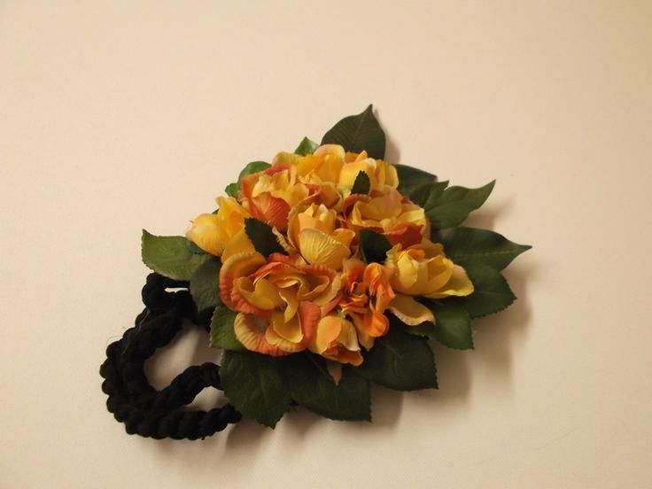 borsa da sera o portacellulare-fiori gialli di sogni d'arte by adalgisa su DaWanda.com www.sognidarte.com