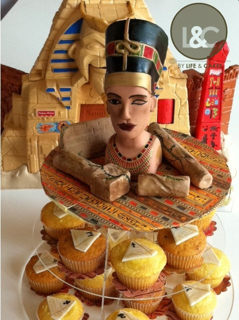Nefertiti Head And Egyptian Theme Cupcakes By Life Amp Cakes