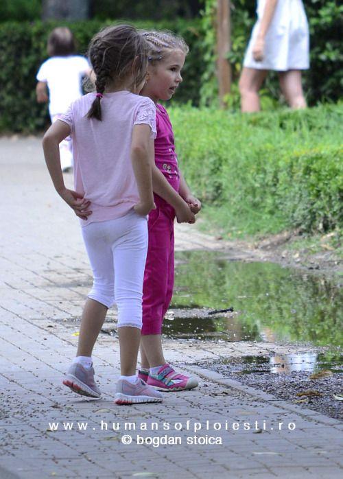 """""""Alaturi de copii, zilele sunt mai lungi, dar anii sunt mai scurti.""""  www.humansofploiesti.ro/kids"""