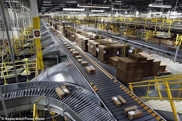Amazon Offers Staff 10 000 To Quit Their Warehouse Jobs And Help