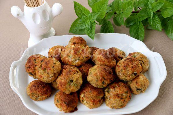 μικρή κουζίνα: Κεφτεδάκια φούρνου με κολοκυθάκι, φέτα και δυόσμο,...